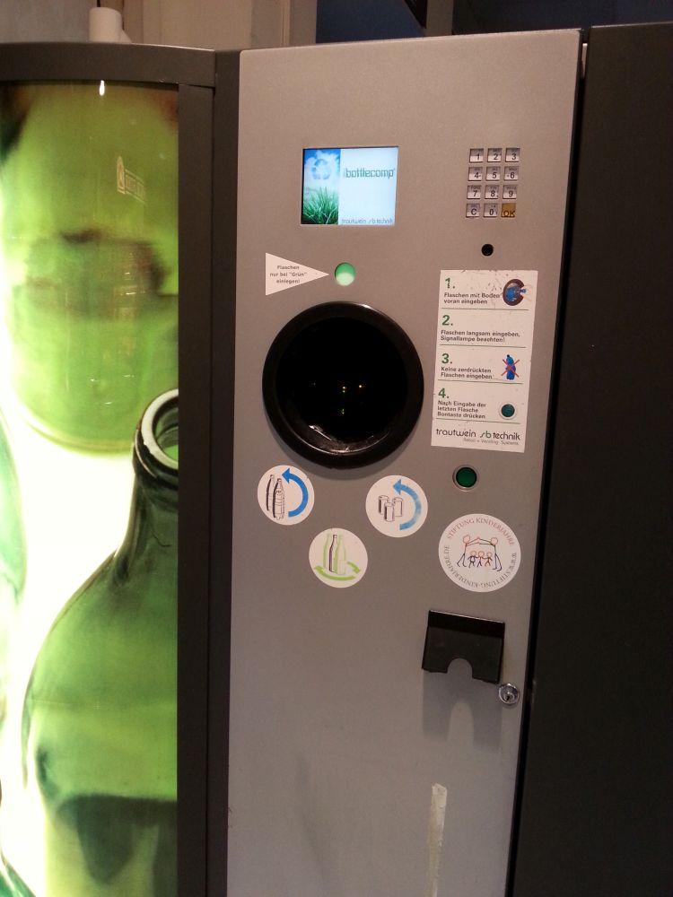 2015-09-19 17.37.15-recycling machine