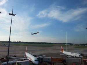 2015-10-03 16.35.23-Hamburg Airport-06